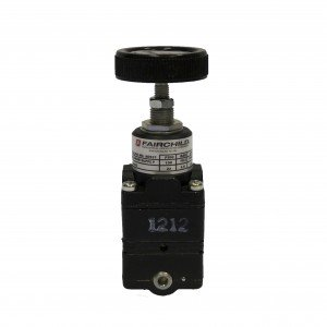 FAIRCHILD MODEL 80D - PRECISION PRESSURE REGULATOR